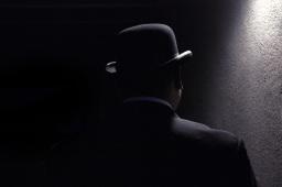 Ein Mann mit Hut.