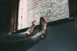 Ein Bein ist kürzer.