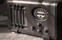 Steinzeit, Teil 2: Der Radiosammler.